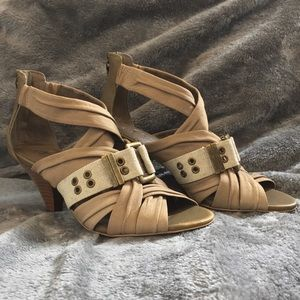 💸SALE💸 B. Makowsky Multicross Leather Sandals